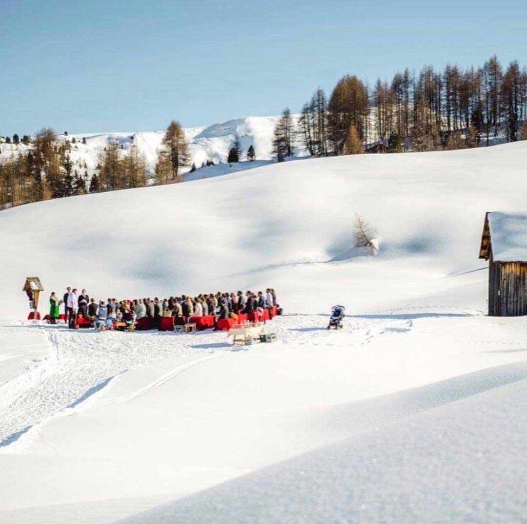 Ski wedding